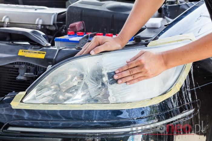 Polerowanie reflektorów samochodowych