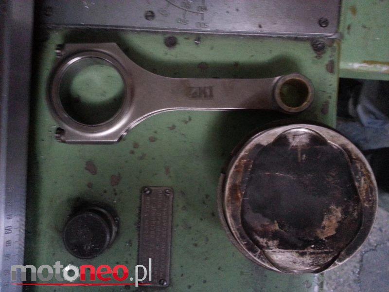 korbowód tłok olej silnikowy